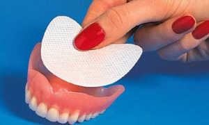 Семь важных особенностей прокладок для надежной фиксации зубных протезов